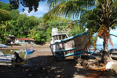 Abandoned boat in Playa Carrillo